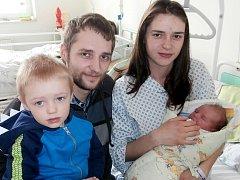 Jakub Šlesarík s rodinkou, Čeladná, nar. 23. 3., 51 cm, 4 kg. Nemocnice ve Frýdku-Místku.