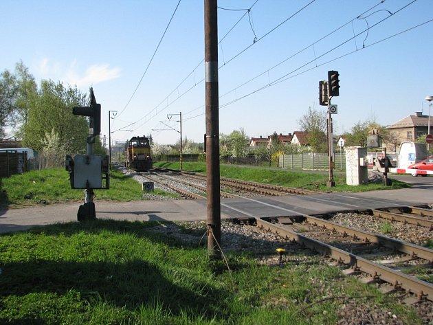 Místo, v němž se plánuje výstavba podjezdu Via Lyžbice.