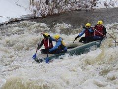 Vodácká událost proběhla o víkendu za velkého zájmu vodáků, ale také diváků, kteří lemovali mosty a břehy u řeky Ostravice.