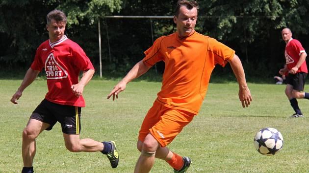 Již poosmadvacáté se sešli bývalí fotbalisté na hřišti v Nošovicích-Lhotách, kde se čtyři mužstva porovnala o celkové vítězství. Z něj se nakonec radovali hráči Triosportu, kteří ve finále porazili Dobrou. Na třetím místě skončili fotbalisté Starého Města