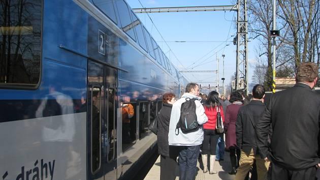 Slavnostní ukončení modernizace železnice v Mostech u Jablunkova.