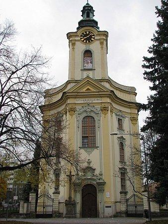 Na snímku barokní kostel sv. Jana a Pavla vMístku. Příští rok vdubnu uplyne 250let od položení jeho základního kamene.