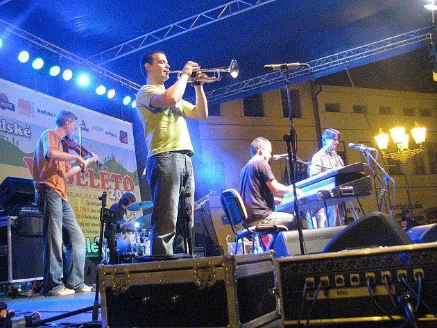 Na náměstí Svobody ve Frýdku-Místku propukla v sobotu 31. července další z akcí Beskydského Veseléta – Jazz ve městě.