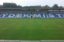 Frýdecko-místecký fotbalový stadion Stovky.
