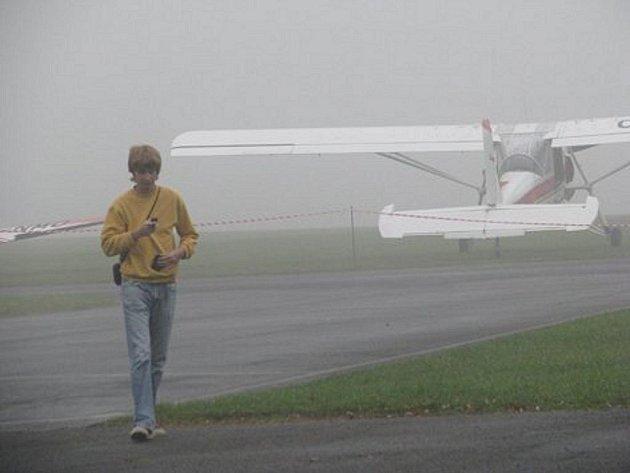Den otevřených dveří a drakiáda proběhly v sobotu na letišti ve Frýdlantu nad Ostravicí. Nepříznivé počasí však nedovolilo, aby program proběhl v plném rozsahu.