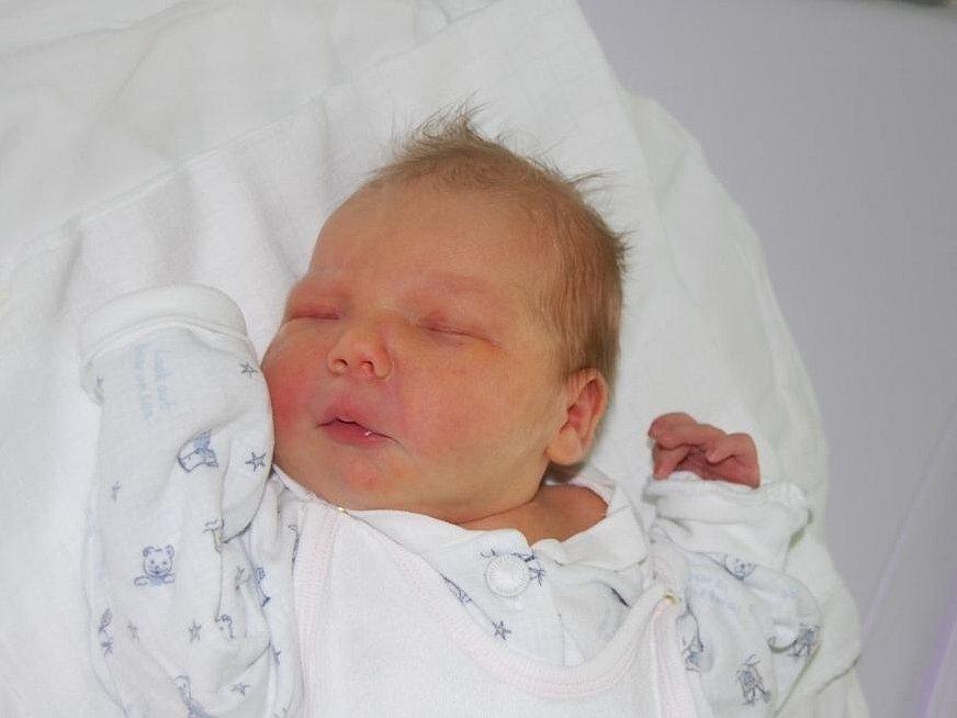 Michal Karas, Třinec, nar.18.2., 53 cm, 3,4 kg, nemocnice Třinec.