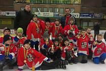 Frýdecko-místečtí hokejisté dominovali na miniturnaji ve Vsetíně, když všechny své tři turnajové zápasy vyhráli.