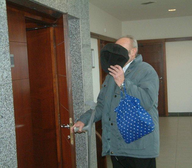 Důchodce odsouzený za pohlavní zneužívání školaček vTřinci a Jablunkově.