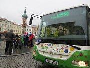 Autobus s pohonem na stlačený zemní plyn.