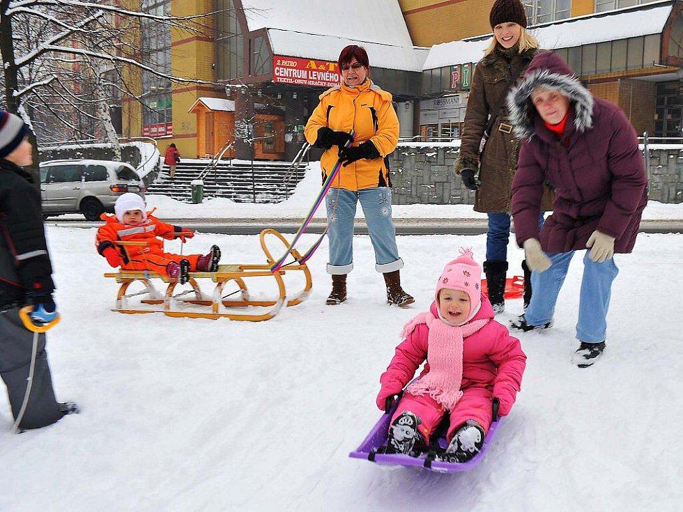Středeční sněhová nadílka v Třinci.