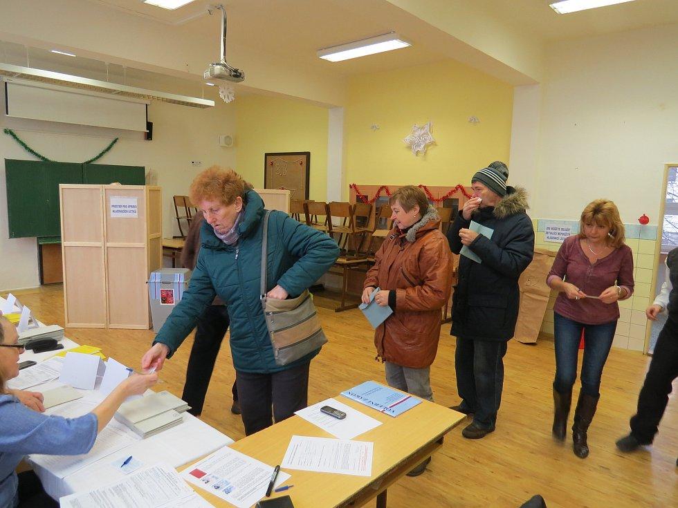 Prezidentské volby ve Frýdku-Místku, 6. základní škola, ulice Pionýrů, pátek 12. ledna 2018.