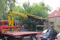 Ilustrační foto. Řidičům, kteří nechají auto v ulici blokového čištění, bude vůz odtažen.