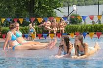Aquapark Olešná ve Frýdku-Místku praskal v minulých dnech ve švech. Vodních radovánek si užívaly nejen děti, ale i dospělí.