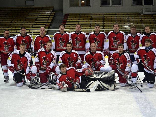 Hokejisté HC Imperators Třinec jsou v letošním ročníku Beskydské amatérské hokejové ligy nováčkem.