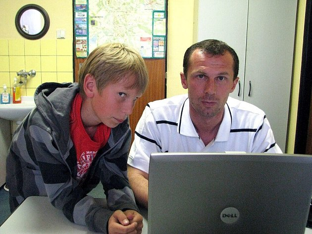 Radoslav Látal odpovídal na vaše dotazy v redakci Frýdeckomísteckého deníku.