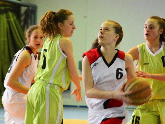Frýdecko-místecká juniorka Lucie Riegrová, která se v domácím zápase s Brnem B nakonec zranila.
