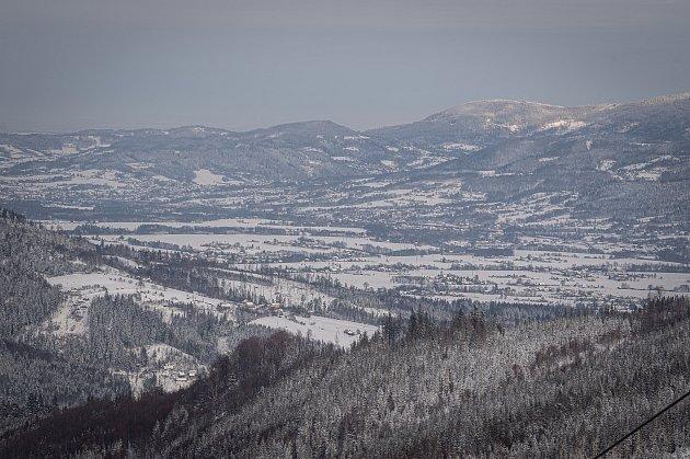 Turistická chata Severka a panorama Beskyd, 15.ledna 2021vDolní Lomné.