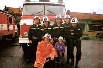 Sbor dobrovolných hasičů ve Staříči byl založen v roce 1890. Proto členové chystají příští rok velké oslavy. Současným starostou je František Pokluda.
