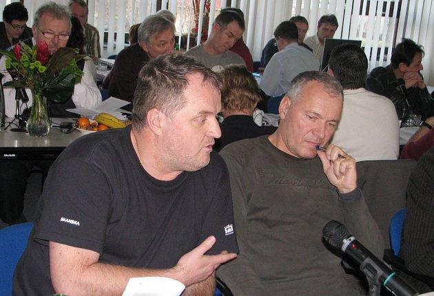 Igor Petrov (vlevo) na archivním snímku.