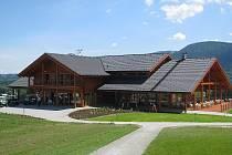 Ostravický golfový areál zahajuje provoz velkého sportovního klubu, jehož vybudování přišlo na zhruba šedesát milionů korun. Klub je otevřen pro širokou veřejnost, tedy nejen pro hráče golfu.