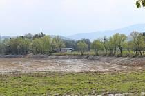 Těžba nánosů ze dna přehrady Olešná skončila.