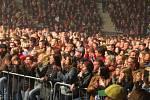 Tisíce spokojených lidí opouštělo o půlnoci z pátku na sobotu Werk Arenu v Třinci. Zažili totiž koncert slovenské skupiny Elán, která to rozjela jako zamlada.