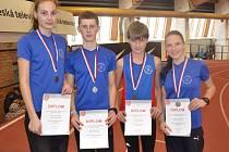 Frýdecko-místečtí medailisté z MČR v chůzi.