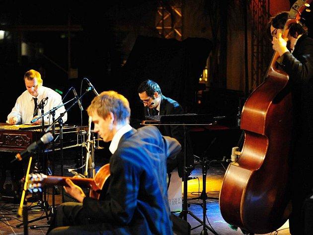 Kapela East Affair vystoupí U Arnošta ve Frýdku-Místku.