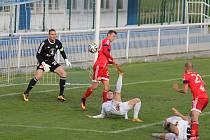 Druholigový souboj domácího Frýdku-Místku (v bílém) se Sigmou Olomouc skončilo dělbou bodů 1:1.