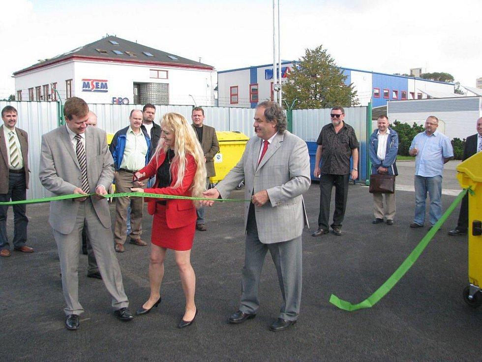 Společnost Frýdecká skládka v pátek 25. září slavnostně uvedla do provozu nový sběrný dvůr v areálu Collo louky v Místku.