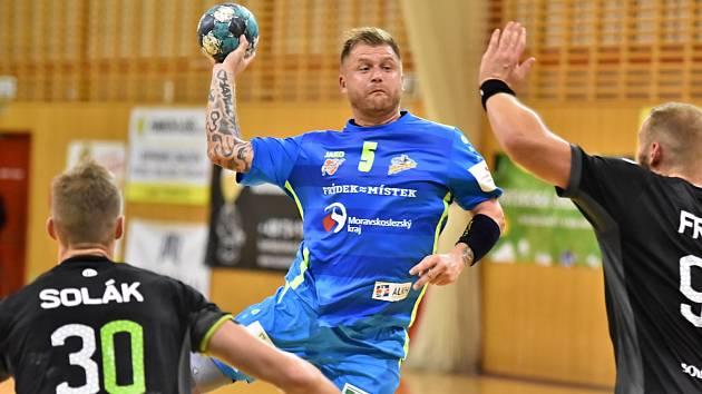Tomáš Sklenák patří k oporám házenkářů Frýdku-Místku.