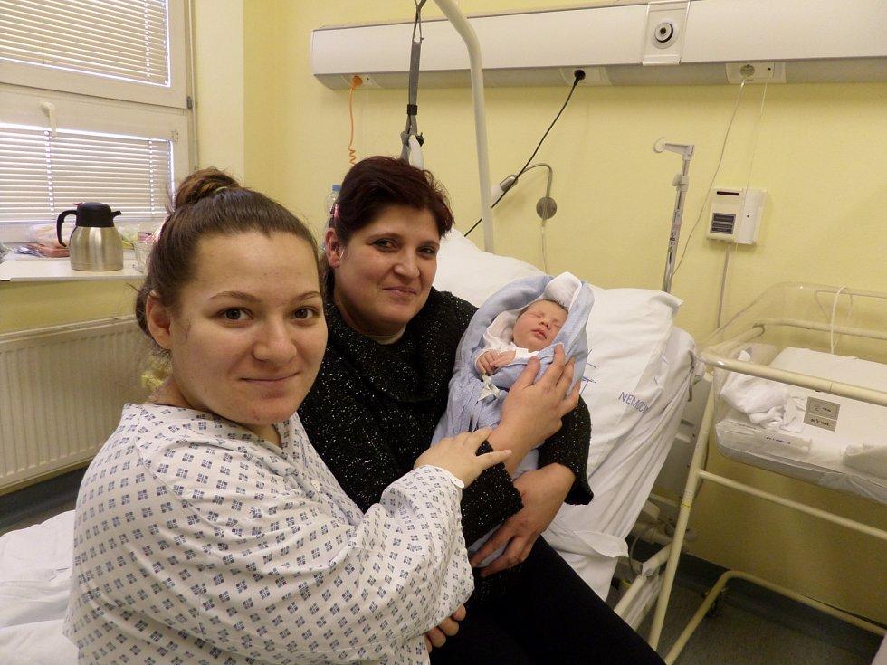 Patrik Kotlár smaminkou a babičkou, Třinec, nar. 20.1., 49 cm, 3,5 kg, Nemocnice Třinec.