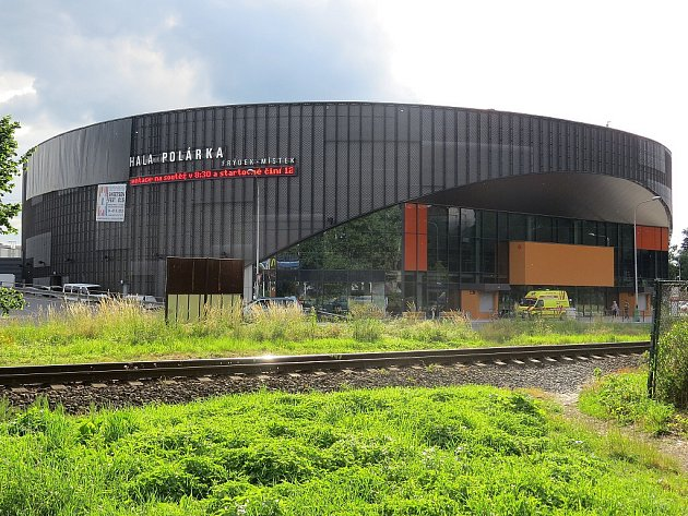 Ve Frýdku-Místku vypukl ve středu večer dvanáctý ročník Sweetsen festu. Začal koncertem symfonického orchestru vhale Polárka.