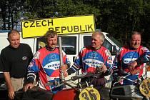 Úspěšný tým českých motokrosových veteránů na MS v holandském Boekenu.
