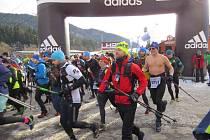 Letošní ročník extrémního vytrvalostního závodu Adidas 24 hodin na Lysé hoře odstartoval v sobotu 21. ledna v 11 hodin v areálu pily v Ostravici.
