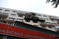Zásah hasičů u požáru bytu ve Frýdku-Místku, čtvrtek 16. září 2021.