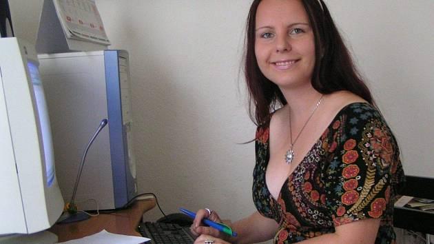 Radana Šatánková u svého počítače.