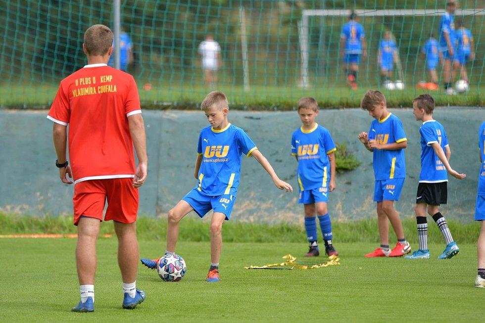 Vladimír Coufal navštívil fotbalový kemp, který proběhl v Polsku.