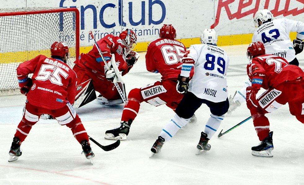 Hokejisté Třince proti Plzni.