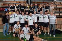Volejbalisté TJ Lignum-Morávka oslavili na brněnské palubovce postup do II. Národní ligy společně se svými fanoušky.