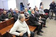 Na lavici obžalovaných se sešlo sedm tehdejších radních, soud všechny osvobodil.