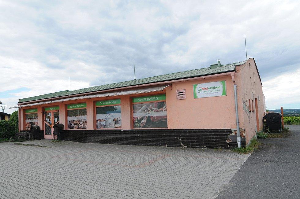 Obchod s potravinami v Soběšovicích.