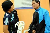 Břeclav posílila mistryně Thajska Suthasini Sawettabut (vlevo). Na snímku je zachycena se svým osobním trenérem Kraiwanem Suphaprasertem.