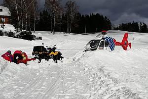 Zásah ostravské letecké záchranné služby na beskydském Grůni.