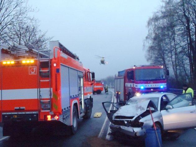 Hromadná nehoda na rychlostní komunikaci R56 u Metylovic si vyžádala jeden lidský život..