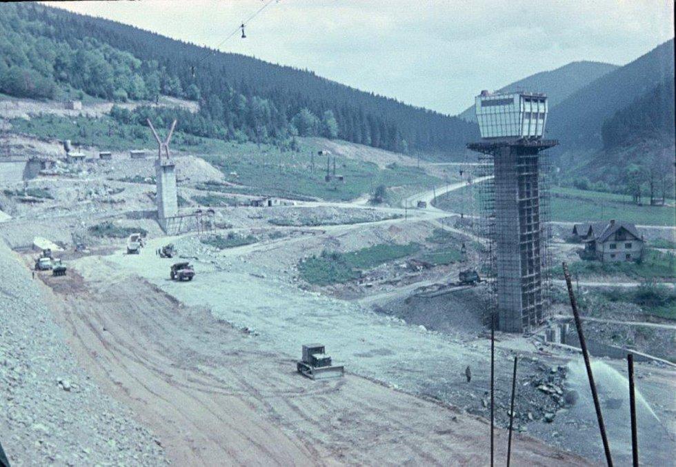 Přehrada Šance vybudována v letech 1964 až 1969.