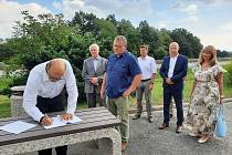 Petice za vynětí ze zpoplatnění dálnice II. třídy D56 mezi Frýdkem-Místkem a Ostravou.