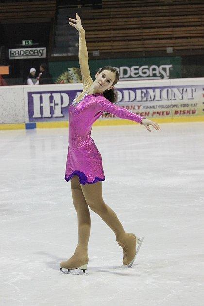 Terezie Šostá skončila pod vedením trenérky Ivany Tokošové na mistrovství ČR vkategorii juniorek na třináctém místě.