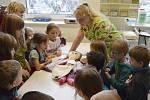 Děti z frýdecké mateřské školy Naděje byly letos už třetí dětskou výpravou, která si přišla prohlédnout dětské oddělení frýdecko-místecké nemocnice.