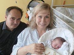 Daniela Cerulová s rodiči, Studénka, nar. 22. 9., 48 cm, 2,90 kg. Nemocnice ve Frýdku-Místku.